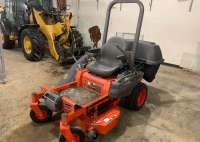 Photo of commercial lawn mower.